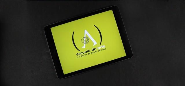 Tarjeta logotipo Escuela de Arte y Superior de Diseño de Soria
